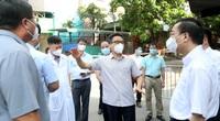 Ảnh: Phó Thủ tướng Vũ Đức Đam đi thực địa, kiểm tra công tác phòng, chống dịch Covid-19 tại Hà Nội