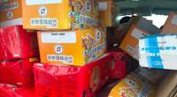 Phát hiện thanh niên mua bánh trung thu của nước ngoài mang từ biên giới về Hà Nội bán kiếm lời
