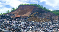 Quảng Bình: Ngang nhiên khai thác đá trái phép, địa phương không hay biết?!