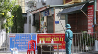 """Hà Nội: Phong tỏa, truy vết các F1 thuộc chùm 6 ca dương tính SARS-CoV-2 trong """"vùng xanh"""""""