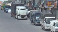 Clip: Hà Nội vừa nới lỏng giãn cách, Quốc lộ 1A tắc dài gần 2km