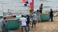 """Ngư dân Phước Hải vui sướng trong ngày đầu """"mở biển"""" ra khơi sau 2 tháng ngồi yên chống dịch"""