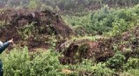 TT-Huế: Người dân sống sợ hãi dưới chân núi sạt lở mỏi mòn chờ di dời