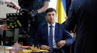Trợ lý Tổng thống Ukraine bị mưu sát, đạn găm chi chít vào chiếc xe Audi màu đen