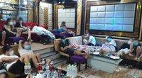 Bữa tiệc thác loạn giữa đêm mưa bão của 19 cô gái cùng bạn trai