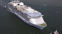 Đây là con tàu du lịch lớn nhất thế giới, có thể đón 7.000 khách cùng 2.300 thủy thủ đoàn