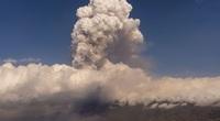 Video: Sóng xung kích cực lớn bùng nổ từ núi lửa La Palma