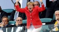 Thủ tướng Đức Angela Merkel và tình yêu tuyệt vời dành cho bóng đá
