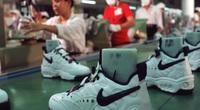 """""""Không lường trước được"""" việc đóng cửa nhà máy tại Việt Nam, Nike cắt giảm triển vọng doanh thu"""