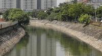 Hà Nội: Màu nước sông Tô Lịch chuyển màu vàng đục, xanh rêu