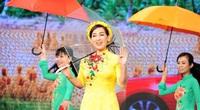 """Phi Nhung – Một lần nghe hát """"Đám cưới trên đường quê"""""""