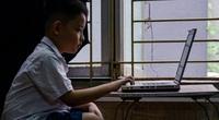 Hà Nội: Tặng hàng nghìn máy tính, điện thoại thông minh cho trẻ em nghèo học trực tuyến tại nhà
