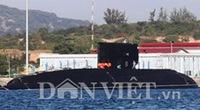 """Lần đầu """"chạm mặt"""" tàu ngầm Kilo Hà Nội ở Cam Ranh"""
