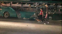 Clip: Toàn cảnh vụ nổ xe khách thảm khốc ở Bắc Ninh