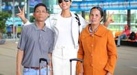 Hoa hậu H'Hen Niê đưa cả bố mẹ vào Nam sau khi về thăm quê