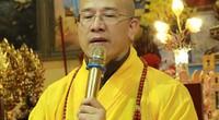 Thượng tọa Thích Thanh Quyết răn dạy Đại đức Thích Trúc Thái Minh hành lễ sám hối 49 ngày
