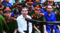 """Dương Chí Dũng """"nổi bật"""" tại tòa"""