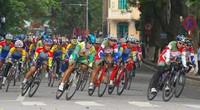 """Khai mạc cuộc đua xe đạp """"Về Điện Biên Phủ 2014-  Cúp Báo Quân đội nhân dân"""": Quyết liệt ngay từ chặng đầu"""