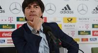 """HLV Joachim Low tuyên bố cho Ronaldo """"tắt điện"""""""