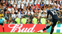 """Mbappe: Truyền nhân đích thực của """"Vua bóng đá"""" Pele!"""