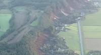 Động đất gây lở đất, chôn vùi nhiều nhà cửa ở Nhật Bản