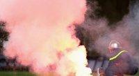 Sốc vì án phạt đối với CĐV mang pháo sáng vào sân ở Hà Lan