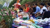 Cầu siêu cho 14 nạn nhân trong vụ xe khách lao xuống vực ở Lào Cai