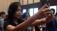 Clip: Người dùng Bphone 3 kỳ vọng đẳng cấp điện thoại made in VN