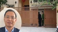 CLIP: Công an khám xét nhà riêng Chánh văn phòng Thành ủy Hà Nội