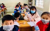 Chủ tịch Hà Nội: Không nên chia giờ học, học sinh không cần đeo tấm chắn giọt bắn