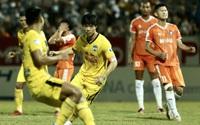 """Góc khuất bóng đá Việt Nam: """"Cò"""", """"quản lý"""" và """"đại diện cầu thủ"""" khác nhau ra sao?"""
