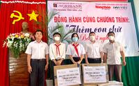 Agribank chi nhánh tỉnh Đắk Lắk và Báo Dân Việt trao 500 quyển sách cho học sinh huyện Ea Súp