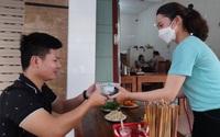 """Hàng quán ở Bình Định """"e dè"""" trong ngày đầu tiên """"mở cửa"""" đón khách"""