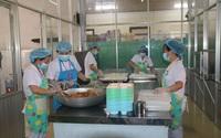 Chuyện cảm động ở Kon Tum: Người nghèo đến bệnh viện có cơm ăn, áo mặc