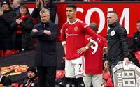 Bực mình vì phải ngồi dự bị, Ronaldo ra điều kiện với HLV Solskjaer