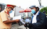 Nhiều tỉnh miền Tây vẫn giữ chốt kiểm soát, kiểm tra giấy tờ người dân ra vào địa phương