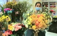 Hoa tươi tiền triệu vắng khách dịp lễ 20/10, 'hoa' gia vị lên ngôi