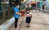 TP.HCM: Các em học sinh háo hức với lần đầu tiên trở lại trường học sau giãn cách