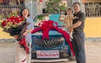 Tuyển thủ Quang Hải mua VinFast Fadil, món quà bất ngờ tặng mẹ nhân ngày 20/10