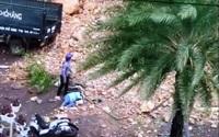 Bình Định: Sạt lở núi nghiêm trọng, đá lớn đổ ập xuống đường, 1 người bị thương nặng