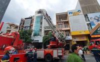 TP.HCM: Cảnh sát PCCC giải cứu thành công hàng chục người mắc kẹt trong đám cháy