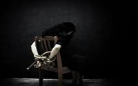 Bỏ trốn lúc nửa đêm, 2 nữ nhân viên quán bia ở Hà Nội trình báo bị nhốt, đánh