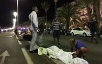 Sau EURO 2016 vài ngày, Pháp dính vụ khủng bố đẫm máu