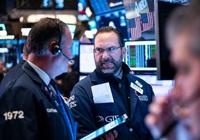 Phố Wall tăng điểm, S&P 500 có lúc vượt đỉnh lịch sử tháng 2
