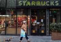 Doanh số có lúc tụt 90% vì đại dịch Covid-19, Starbucks dự báo lợi nhuận giảm