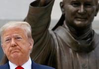 TT Trump siết giám sát DN Trung Quốc niêm yết ở Mỹ: con dao hai lưỡi, Hồng Kông được lợi