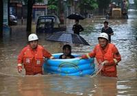 Thành phố Vũ Hán ngập trong biển nước