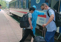 Lập đoàn tàu riêng đưa 56 chuyên gia Trung Quốc từ Lạng Sơn về Quảng Ngãi