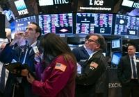 Dow Jones tăng vọt 370 điểm khi chính phủ Mỹ quyết định chi 1 tỷ mua vaccine Covid-19