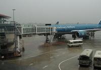 Vì sao nhiều chuyến bay tới Nội Bài phải hạ xuống sân bay khác?